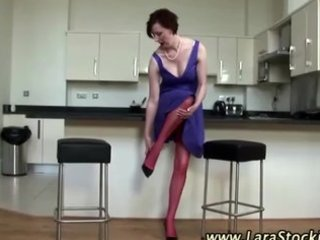 watch mature non-professional bitch puts on nylons
