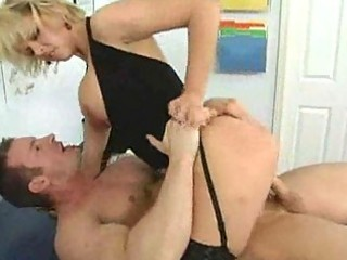 blonde mamma gives an out of this world blowjob
