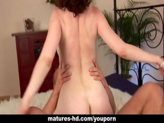 wild cock gobbling brunette hair milf in action