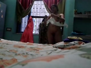 indian aunty megha rani caught nude
