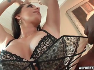 cougar t live without large darksome cock in her