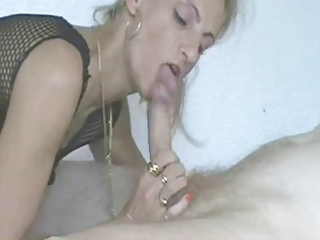 blond non-professional d like to fuck anal