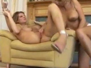 mature... horny... lesbians!!!.