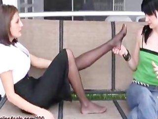 daughter worships mamas feet