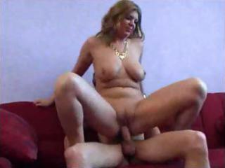 Milf gets it up the butt
