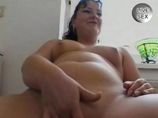 dilettante sex videoshorny milf fingering her own