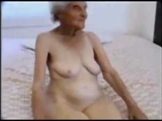 26 years old granny engulfing